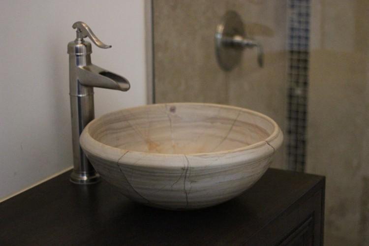bath-sink-1-750x500