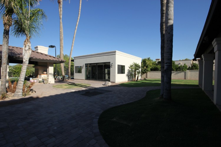 casita-outside-750x500