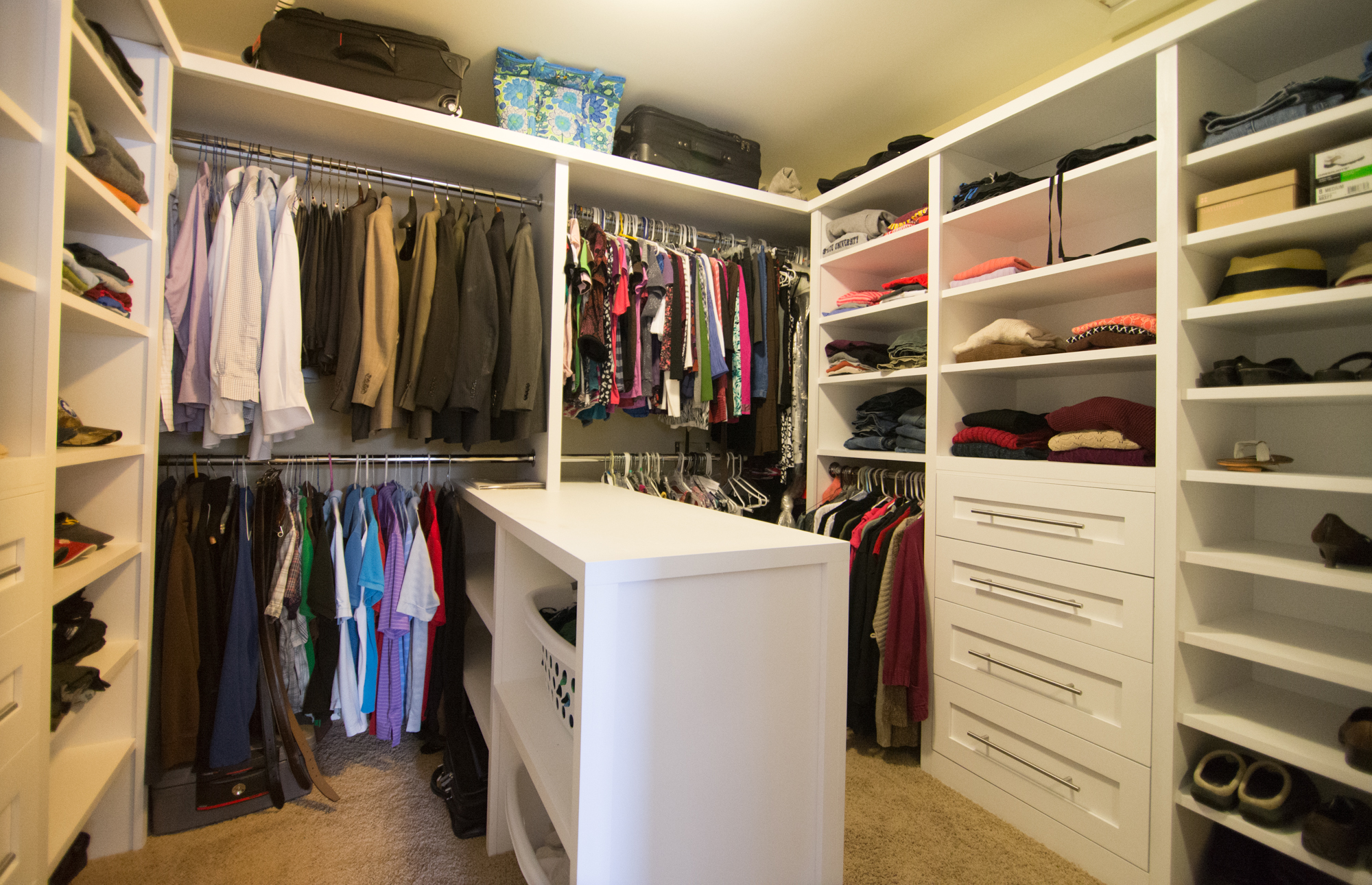 Home design construction services labra design build for Custom closet images